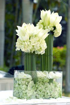 love this green modern arrangement
