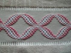 Billedresultat for punto bargello tutorial This Pin was discovered by Yeş Discover thousands of images about Esra Sönmez Motifs Bargello, Broderie Bargello, Bargello Patterns, Bargello Needlepoint, Needlepoint Stitches, Needlework, Hardanger Embroidery, Hand Embroidery Stitches, Ribbon Embroidery