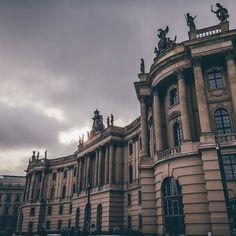 Humboldt Universität (Law) ------------------------------------------ #hotshotz_architecture #ic_architecture #archdaily #symmetry #archilovers #archilovers #agameoftones #architecture #berlin #berlin2016 #berlinlove #berlinbreeze #berlincity #igersberlin #citylove #canon #canon_photos #exploremore #GearedNomad #heatercentral #jointhemovement #MoodyGrams #tonechaser_ #uncalculated #urbanromantix #visit_berlin #visualambassadors #way2ill by ro_010_