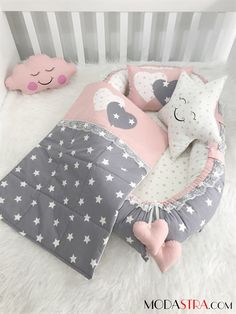 Modastra Baby Nest ve Pikeli Set Baby Nest Baby Set, Baby Crib Sets, Baby Shower Deco, Baby Sewing Projects, Baby Cover, Baby Pillows, Baby Play, Baby Room Decor, Baby Crafts