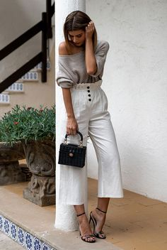 Grey tunic sweater, white paperbag culottes, black ankle strap sandals, black straw box bag. Spring outfits, casual outfits, fashion trends 2018, dressy outfits, party outfits, #fashion2018 #casualstyle #springstyle #streetstyle #ootd #fashionblogger