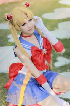 #cosplay #sailormoon - It's hard to find a good sailor moon/usagi cosplay becouse her hairstyle and hair color requires a certain type of face type(an innocent,chilidlish face) and white skin.this one looks really good.