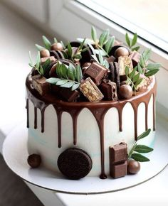 wedding cakes with cupcakes Chocolate overload nyuta_zelenskaja Are you chocolate lover - Start your baking journey with bakelikechef Wedding Cakes With Cupcakes, Cupcake Cakes, Cake Recipes, Dessert Recipes, Just Cakes, Drip Cakes, Pretty Cakes, Creative Cakes, Let Them Eat Cake