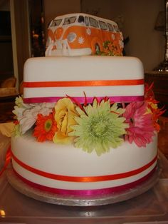 Orange and Pink VW Wedding cake