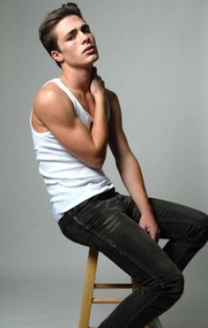 Colton Haynes. Teen Wolf.