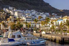 Spain, Canarias, Gran Canaria, Puerto de Mogan (by Victor Rubow)