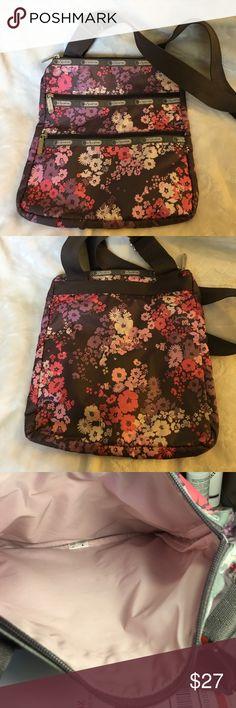 NWOT Lesportsac Madison Wistful Florals bag NWOT Lesportsac Kasey Wistful Florals crossbody bag, smoke free LeSportsac Bags Crossbody Bags
