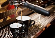 Il caffè al bar costa solo 90 centesimi nevrosi del barista compresa