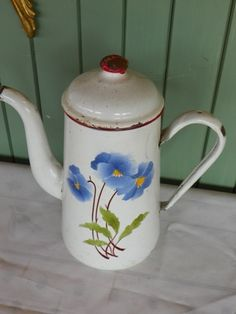 cafetiere with blue flowers