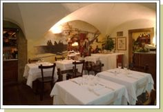 Buca Lapi is one of the best restaurants in florence well-known for its tasty florentina steak. Explore the tuscan cooking and the main receipes to taste. Florence Restaurants, Italy Travel, Italy Trip, Most Romantic Places, Toscana, Travel And Leisure, Places To Go, Siena, Newspaper
