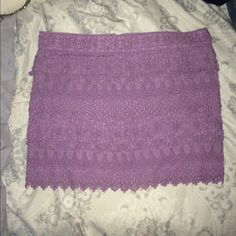 American Eagle lace lilac skirt! Size ten! American Eagle lace lilac skirt! Size ten! Fits very flattering! Great color, easy to make into a trendy outfit! American Eagle Outfitters Skirts Mini