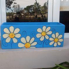 Flower Pot Art, Flower Pot Crafts, Clay Pot Crafts, Pebble Painting, Stone Painting, Diy Painting, Painted Plant Pots, Painted Flower Pots, Fun Rainy Day Activities
