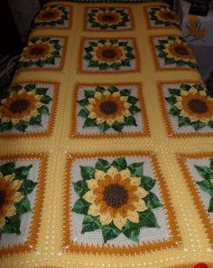 Beautiful covered in crochet. In sunflower. Easy pattern step by step in yarns | Crochet Patterns