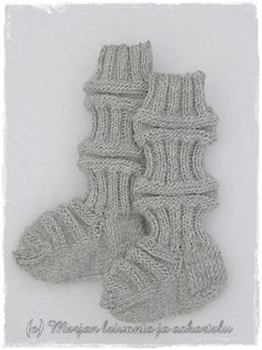 Baby Knitting Patterns, Knitting Socks, Kids And Parenting, Fingerless Gloves, Arm Warmers, Knit Crochet, Fashion, Tricot, Crochet Boots