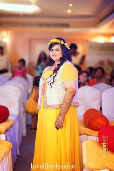 Are you a plus size bride worried about what to wear on your big day? Here's a list of cheat sheet that will make sure you look like a million bucks. Plus Size Brides, Plus Size Wedding, Plus Size Lehenga, Plus Size Dresses, Plus Size Outfits, Curvy Fashion, Plus Size Fashion, Sangeet Outfit, Wedding Couple Poses Photography