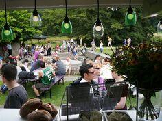 Uitzicht vanuit de Mobiele Flexitaria op de Sonsbeekmarkt in Arnhem, 5 augustus 2012.