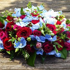 WestHam Fan  Funeral Posy #inlovingmemory #funeralflowers #funeralposy #westhamcolours #claretandblue #nospraypainthere #naturalflowers #freshflowers #floralelements #rochesterflorist #medwayflorist #stroodflorist