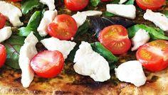 Chicken & green pesto tostada Weight Loss Eating Plan, Easy Weight Loss, Green Pesto, Free Meal Plans, Lunch Menu, Mediterranean Style, Everyday Food, Tostadas, Eating Plans