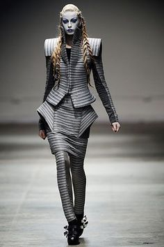 Gareth Pugh Autumn/Winter 2008 Ready-To-Wear show report | British Vogue