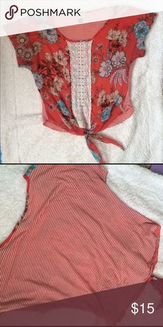 Crop Top Small Super cute top, size small. Great condition! Brand: About a girl Tops Blouses