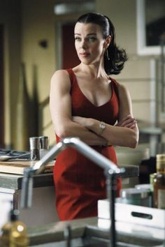 HerBicepsPlus is the most popular female muscle site in the world. Debi Mazar, Jersey Girl, Dita Von Teese, Iconic Movies, Aging Gracefully, Timeless Beauty, American Actress, Character Inspiration, Movie Tv