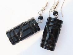 Black coral earring (Joyce)