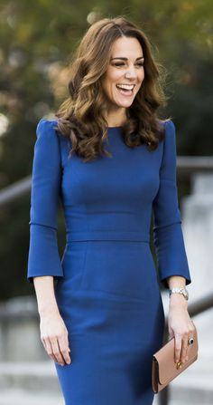 Kate Middleton Photos - Retransmission of with alternate crop.) Catherine, Duchess of Cambridge visits the Imperial War Museum on October 2018 in London, England. - The Duchess Of Cambridge Visits The Imperial War Museum Cabelo Kate Middleton, Looks Kate Middleton, Estilo Kate Middleton, Kate Middleton Outfits, Kate Middleton Photos, Princesa Kate, Jenny Packham Dresses, Herzog, Prince William And Kate
