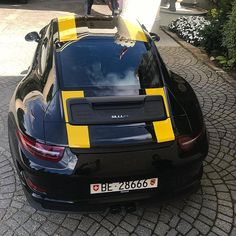 Wicked spec on this 911R 🐝 #lovecars #exoticcars #driver #vehicles #engine #sportscar