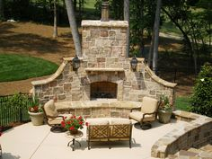 Large backyard landscaping ideas are quite many. However, for you to achieve the best landscaping for a large backyard you need to have a good design. Outdoor Fireplace Patio, Outdoor Stone Fireplaces, Outside Fireplace, Outdoor Fireplace Designs, Fireplace Set, Fireplace Ideas, Fireplace Modern, Large Backyard Landscaping, Backyard Patio