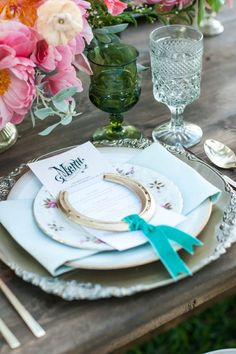 Horse shoe wedding favor #cowgirl #wedding #cowgirlwedding http://www.islandcowgirl.com/