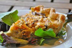 Mushroom Gruyere Bacon Quiche Recipe. www.makinglifedelicious.com
