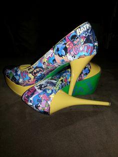 Diy Batman comic book heals Batman Comic Books, Batman Comics, Fall Season, Diy, Shoes, Fashion, Autumn, Moda, Zapatos