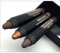 Your answer for long-wearing eye color @nudestix #beauty
