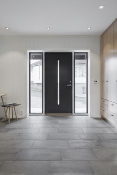 Very nice example of natural slate # tiles in the entrance area - nice exa . - Very nice example of natural slate in the entrance area – nice exa … Hallway Decorating, Entryway Decor, Casa Loft, Decoration Entree, Rustic Bench, Living Room Flooring, House Entrance, Modern Room, Home Look