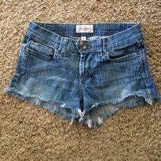 Sz 4 Abercrombie & Fitch Jeans Shorts Cute denim jeans shorts. Sz 4. Very comfy, excellent shape. Abercrombie & Fitch Shorts