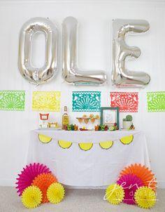 A Fun Margarita Fiesta — Jen T. by Design Fiesta Party Decorations, Fiesta Theme Party, Taco Party, 90s Party, Party Party, Mexican Birthday, Mexican Party, Birthday Balloons, Birthday Parties