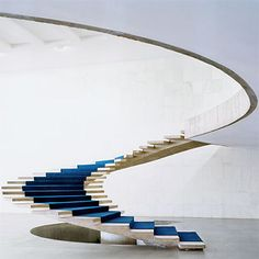 escalera de Oscar Niemeyer. #design