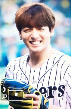 Junkook BTS @The Hanshin Tigers vs. Nippon Ham Fighters Baseball Game! For the ceremonial fist pitch 170602