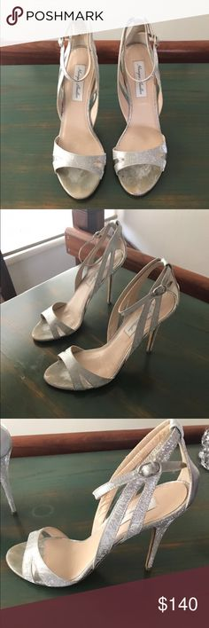 Monique Lhuiller Bridal Shoes I got these shoes for my wedding, but decided to wear another pair last minute. I haven't worn these aside from the fittings and rehearsal but there are some worn marks on them so I'm keeping the price very low. Monique Lhuillier Shoes Heels