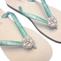 711831faffc4 Pearl Flip Flops Starfish Beach Wedding Shoes