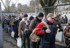 """Mobilisierung: Das ukrainische Militär rekrutiert Männer, die bereits ihren Militärdienst abgeleistet haben. Im Kampf gegen die prorussische Separatisten in der Ostukraine hat die prowestliche Regierung in Kiew außerdem """"Abschussprämien"""" für ihre Soldaten eingeführt. Mehr Bilder des Tages auf: http://www.nachrichten.at/nachrichten/bilder_des_tages/ (Bild: EPA)"""