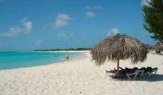 Playa Paraíso de Cayo Largo del Sur entre las 15 mejores del mundo. Playa Paraíso, junto a sus similares Sirena y Los Cocos, son tres puntos de obligada referencia en la geografía de Cayo Largo, un islote de apenas 37,5 kilómetros cuadrados y 25 kilómetros de longitud situado en pleno Mar Caribe, al Sur de Cuba.