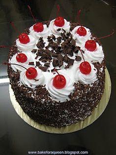 black forest cake Cake Decorating Frosting, Cake Decorating Designs, Cake Decorating Videos, Cake Decorating Techniques, Cupcake Cakes, Cupcakes, Black Forest Cake, Occasion Cakes, Cakes And More