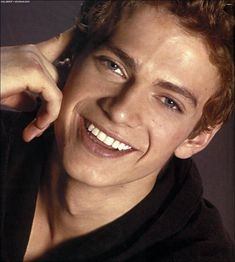 "(hayden christensen) Hi, my name is Everett Huges but people call me ET. I am 17 years old. Everyone thinks people call me that because I am an alien to them but I do not care. I am majoring in creative writing, and my minor is Dance. <- that is why I am considered a freak, because I take ballet which is a ""girls sport"" -.- This is me not caring."