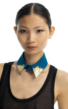 collar with gold leaf
