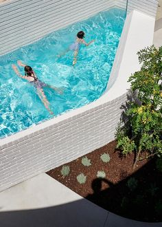 Bright Blue Outdoor Swimming Pool White Painted Brick Walls Greenery Concrete Pathway Brick Clad Perimeter House with Industrial Aesthetic to Enjoy Interior Design Wooden Cottage, Old Cottage, Victorian Cottage, Concrete Pathway, Concrete Pool, Outdoor Swimming Pool, Swimming Pools, Pool Spa, Brick Extension