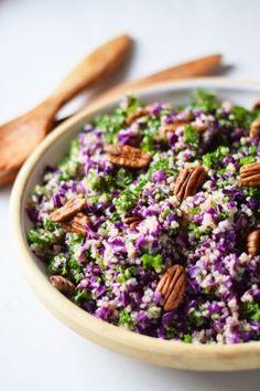 Farverig og velsmagende kålsalat med quinoa der får salaten til, at mætte godt, knasende pekannødder og en dejlig syrlig appelsindressing. En rigtig vintersalat der i øvrigt også passer perfekt til…