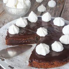 Choklad & maränger = en ljuvlig kombination. Servera gärna med vispgrädde & glass också!