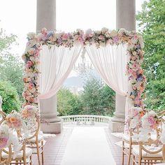 Gorgeous 40+ Wedding Backdrop Ideas https://weddmagz.com/40-wedding-backdrop-ideas/