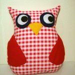 Owl cushion - Uglu púði:  http://www.skeggi.is/vefverslun/vorur/676/